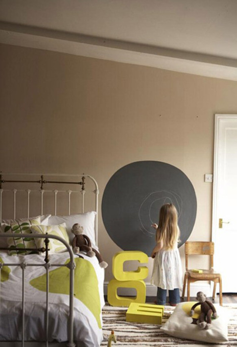 micasaessucasa :      chalkboard paint in kids room | the style files