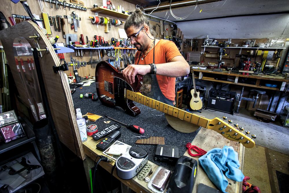 guitar-doctor-penzance-4.jpg