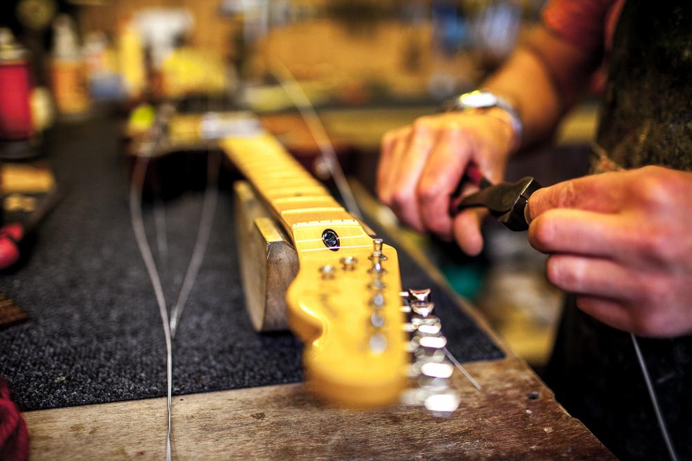 guitar-doctor-penzance-5.jpg