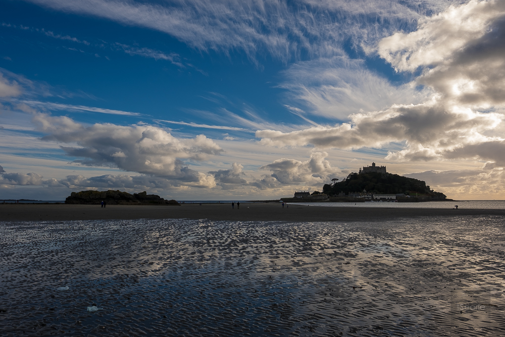 This is my first shot of St Michaels Mount. It has high contrast lighting as you can see. The thing that impressed me was the camera ability to maintain highlights in an overly contrasty scene. There is virtually no light hitting The Mount and it's still managed to maintain detail throughout. Another thing I notice immediately is how sharp the image is, in camera. Shooting a fine JPG and a RAW the camera shows you a preview as the JPG. The benefits of shooting a JPG along side a RAW is that you can zoom in more on the display to check your picture. When only shooting RAW, you can zoom in 4 times as opposed to 8 times in JPG.