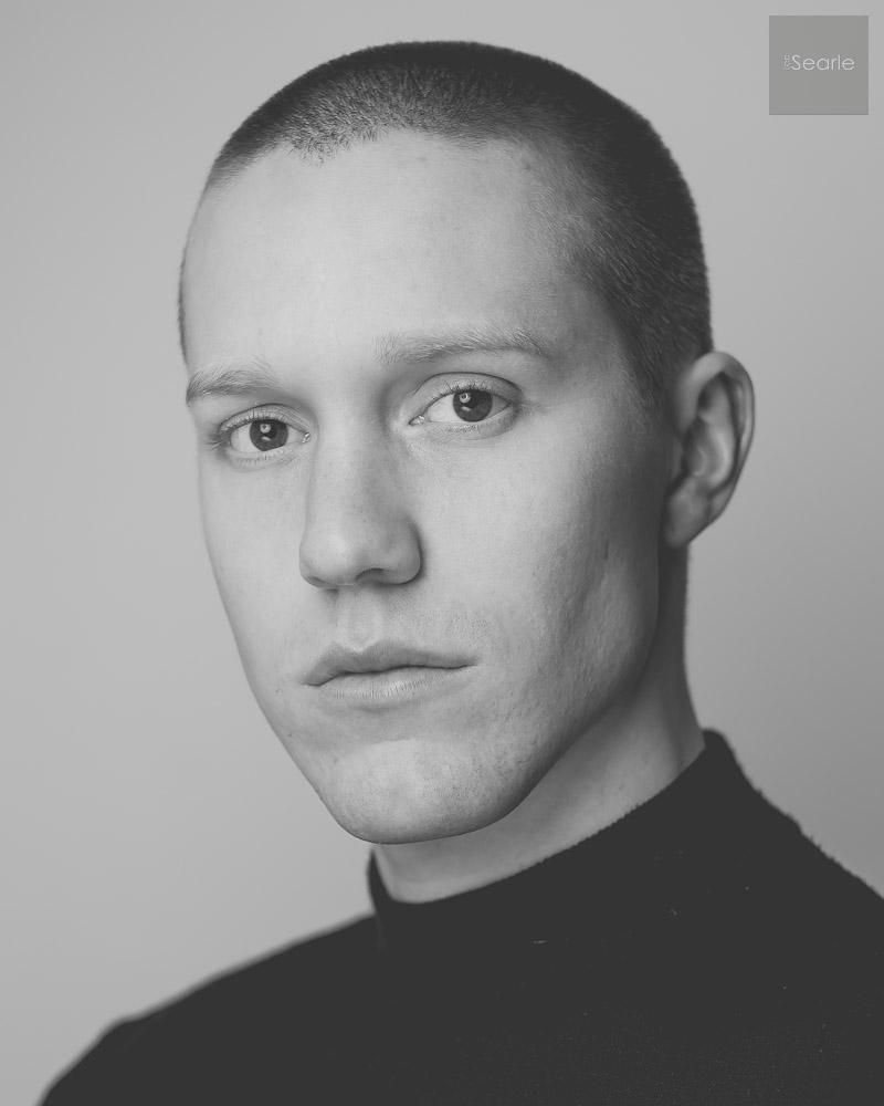 black-white-actor-headshot-4.jpg