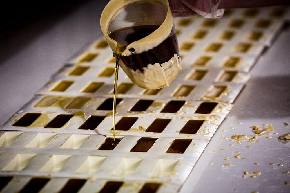 bees-wax-sticks-production-process-1.jpg