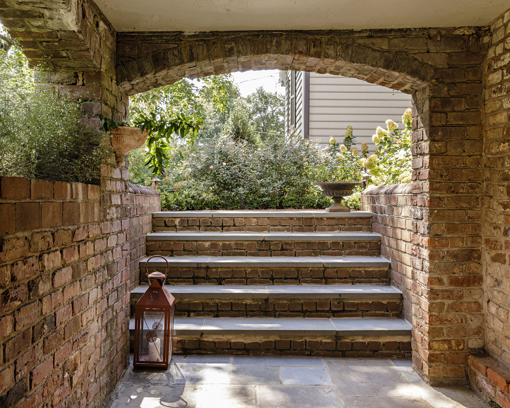 Grounded_Charlottesville-brick-entry_landscape-architect.jpg