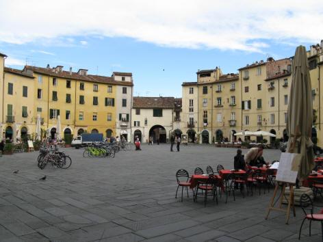 piazzadellanfiteatro.jpg