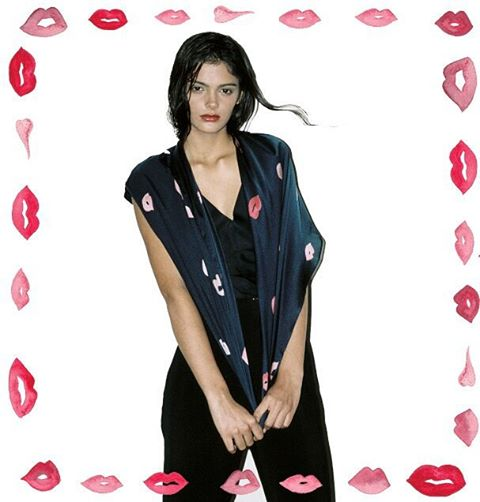 January kisses.. to cheer up the dark days 💋💋💋 #kisses #print #style #instastyle #January #silkscarf #luxury #accessories #silky #kiss #romance #model #beautiful #naturalbeauty #fashionblogger #styleblogger