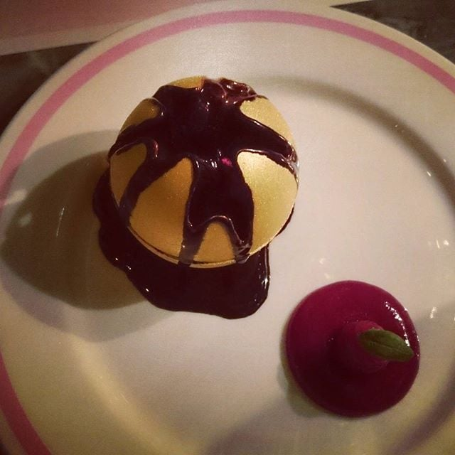 Possibly the most elaborate and theatrical dessert ever @bobbobricard ❤❤❤ #experience #melting #dessert #delishious #foodie #soho #theatrical #elaborate #beautiful #pudding #lovelondon #chocolate #stunning