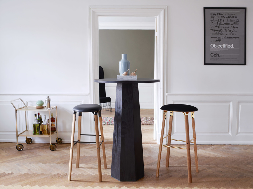 Edgar Bar Stool & Table