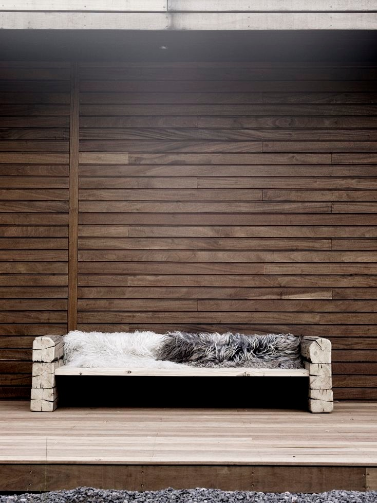 Aspen Collection Limited Edition.An outdoor bench.