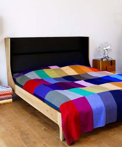 HARLEQUIN BED TRHOW