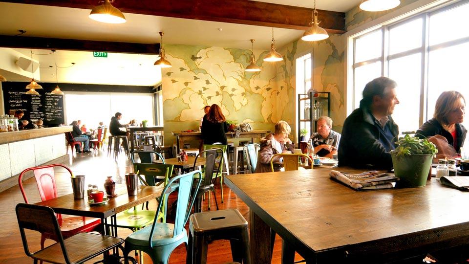 Lyall-Bay-Beach-Cafe-5.jpg