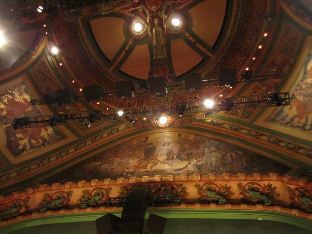 The details of the theater was amazing. You could just feel the history from the entry way to the very seats we were sitting in.