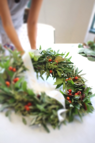 Holiday Wreath & Calligraphy Banner Workshop