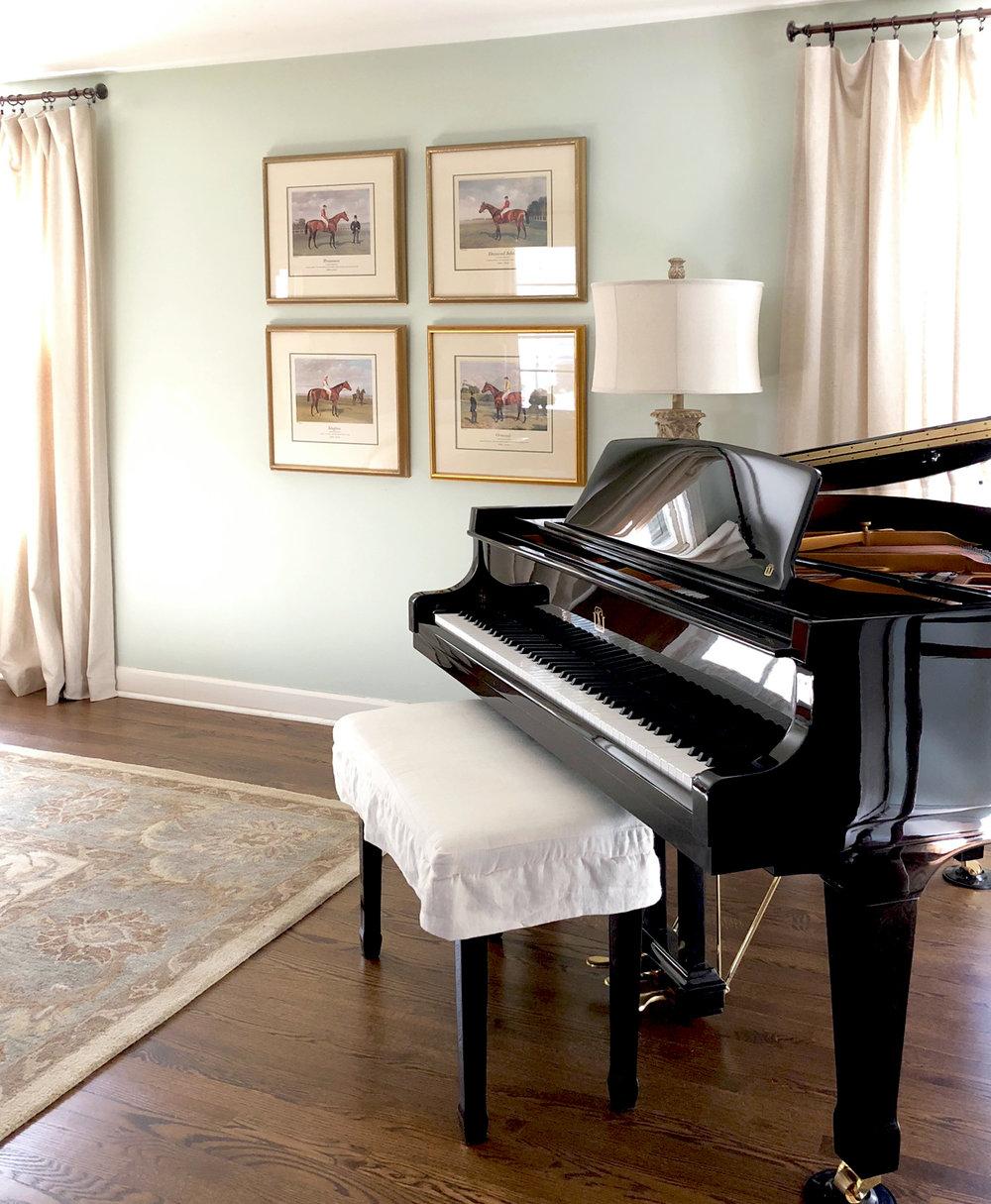 BedroomWallArt&Piano.jpg