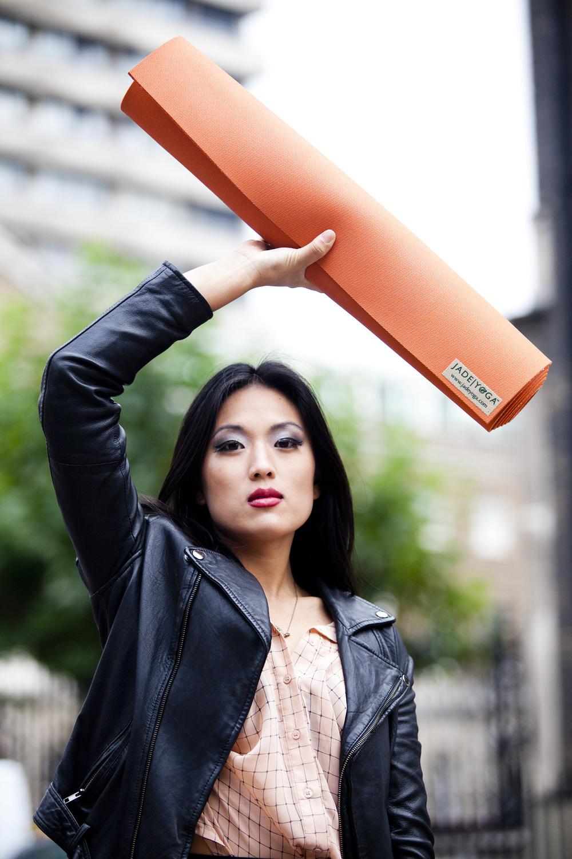 Leah Kim, yogi