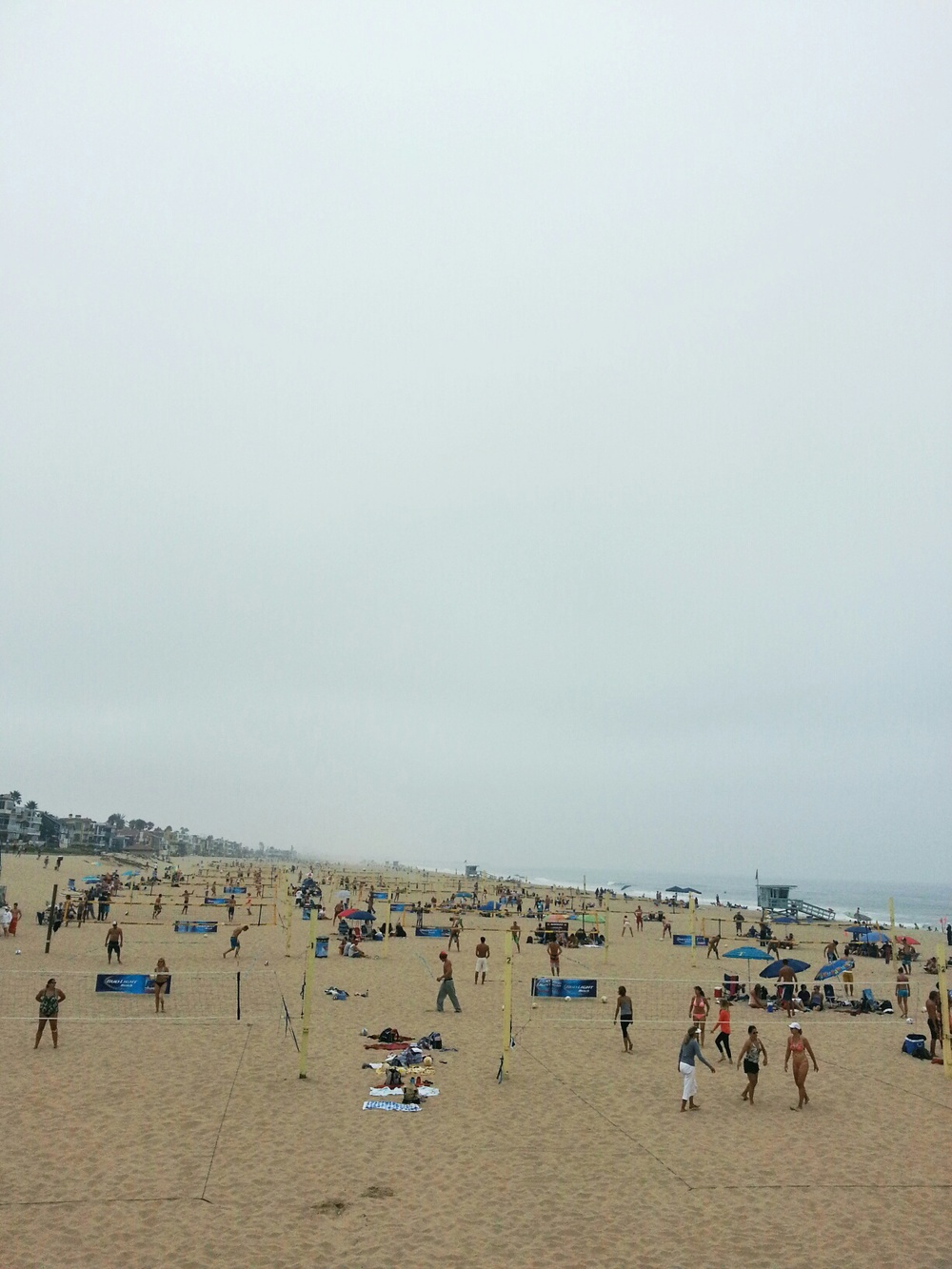 manhattan beach is famous for their volleyball