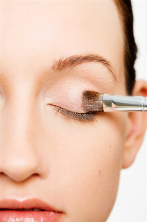 eye shadow brush and eye shadow.jpg