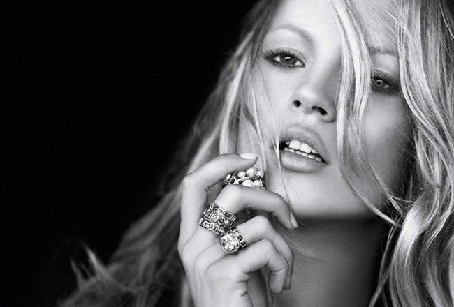Share-Design_Kate-The-Kate-Moss-Book-02.jpg