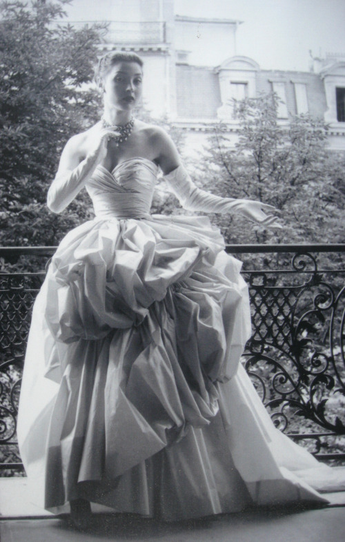 dior-couture-vintage-balcony.jpg