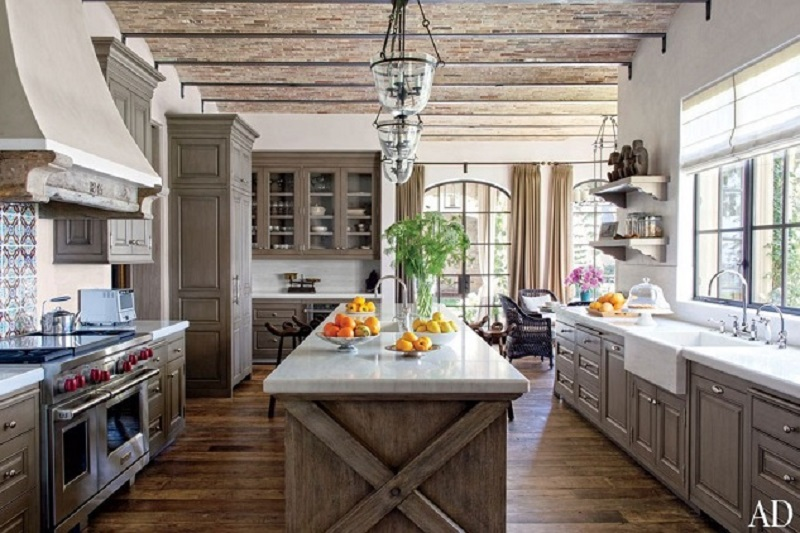 Model Gisele Bundchen's Kitchen  (Image: interiordesigngiants.com)