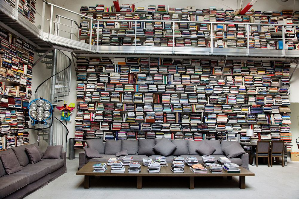 Designer Karl Lagerfeld's Library (Image: ecowellusa.com)