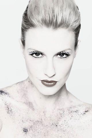 Erin Victoria Holland, Miss World Australia. Hair & makeup by Bennetts.
