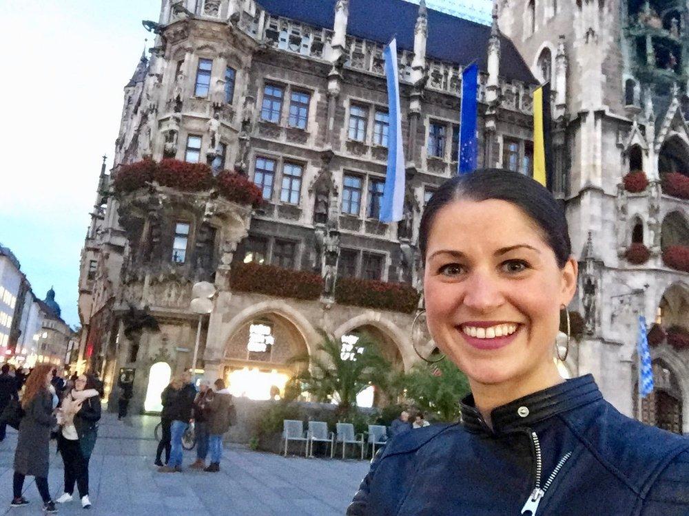 marienplatz tourist.jpg
