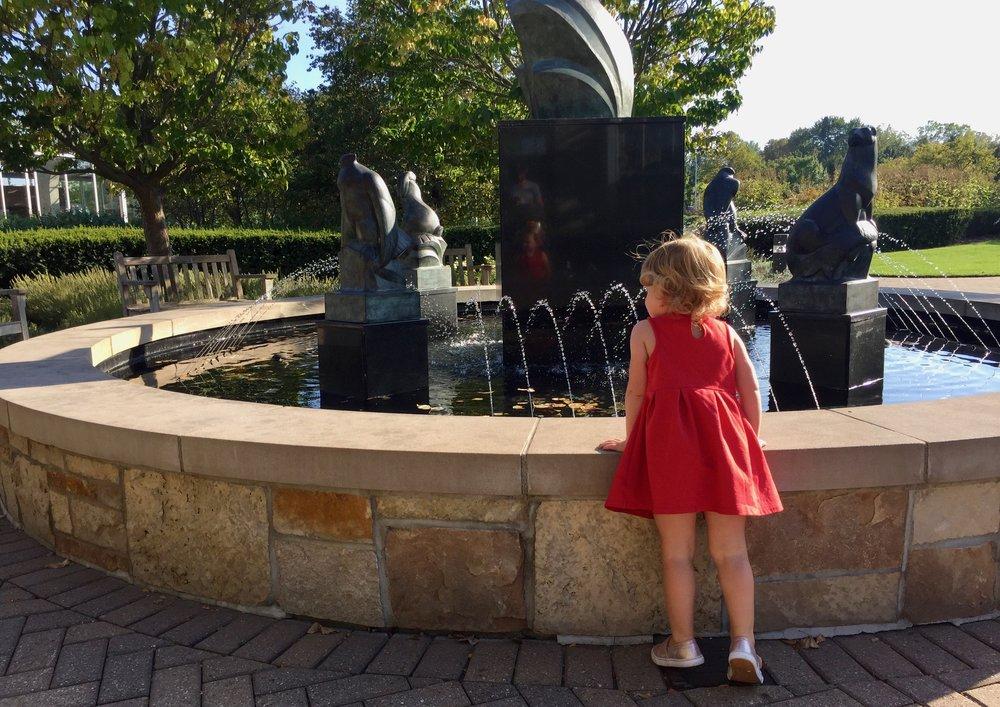 Fredrick Meijer Gardens fountain.jpg
