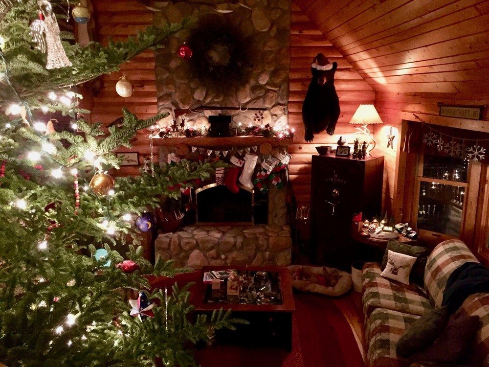 log cabin christmas 1.jpg