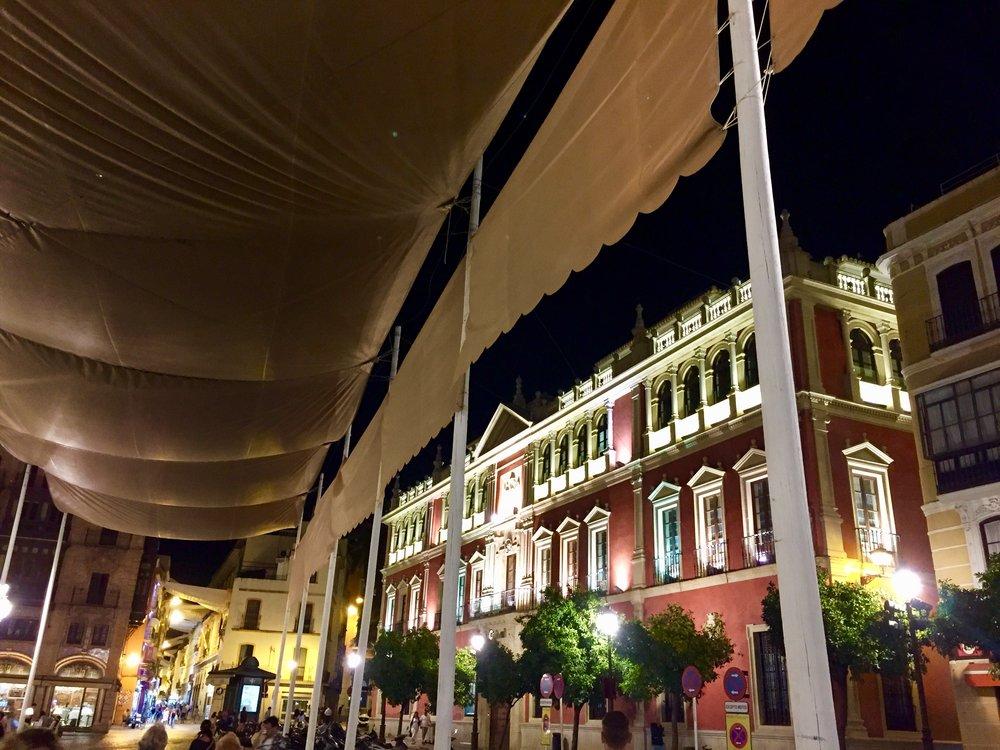 Sevilla Spain night time.jpg