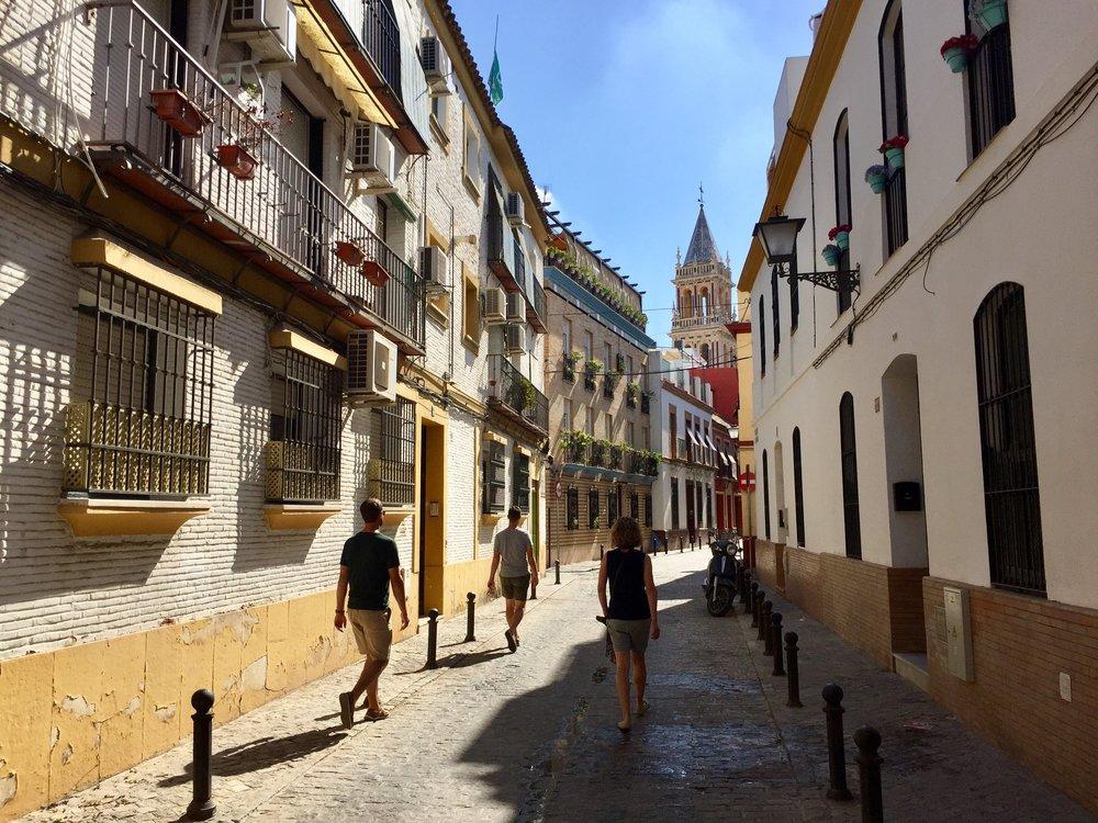 Sevilla Spain Tourists.jpg