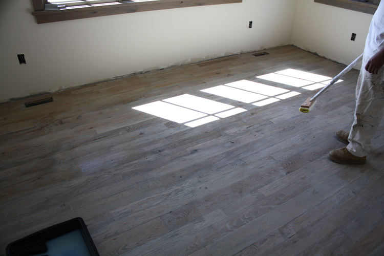Hardwood%20Floor%20Finish%20Installation%20(8).JPG
