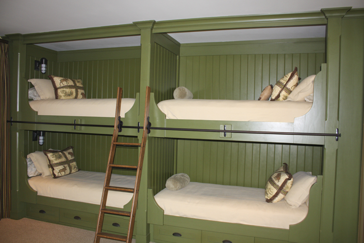 Bunk%20Bed%20Cabinets%20and%20Wood%20Finishing.JPG