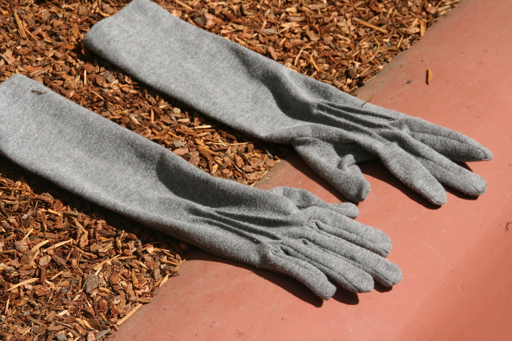 greyjerseygloves.JPG