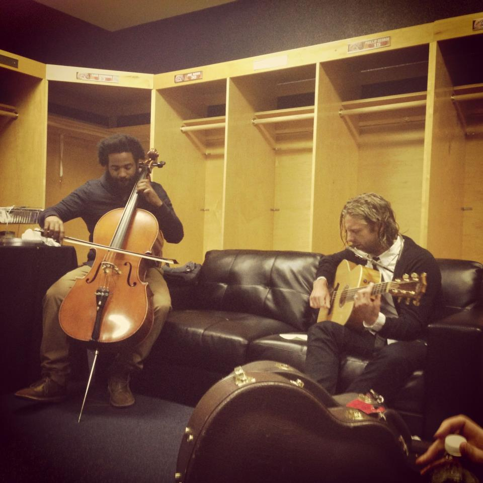 Keith Tutt II and Jon Foreman warming up back stage.