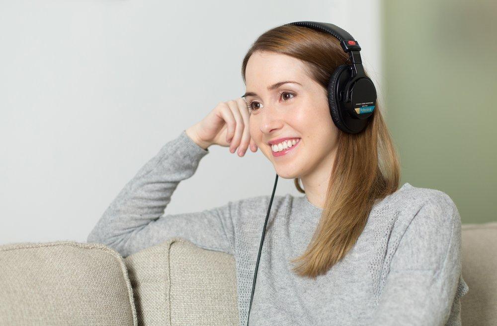 girl-headphones-headset-33815.jpg