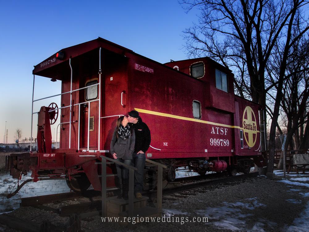 santa-fe-train-engagement-kiss.jpg