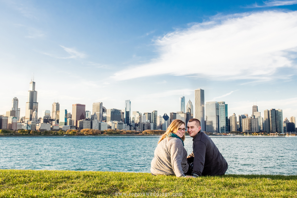 A cityscape engagement photo of downtown Chicago.
