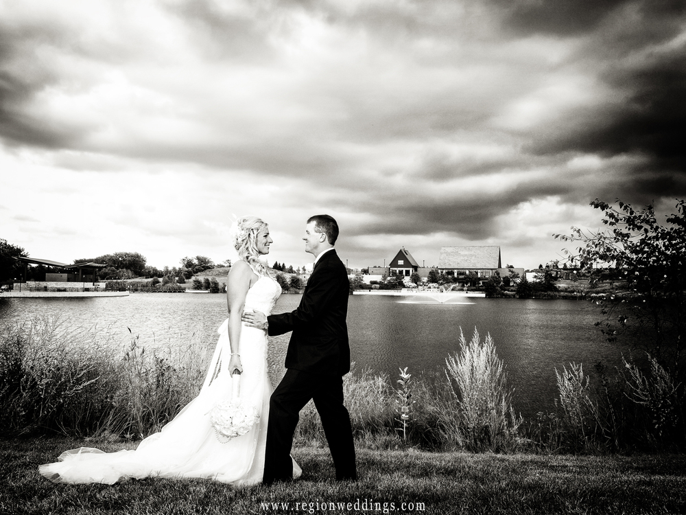Centennial Park looms in the background in this black and white wedding photo.