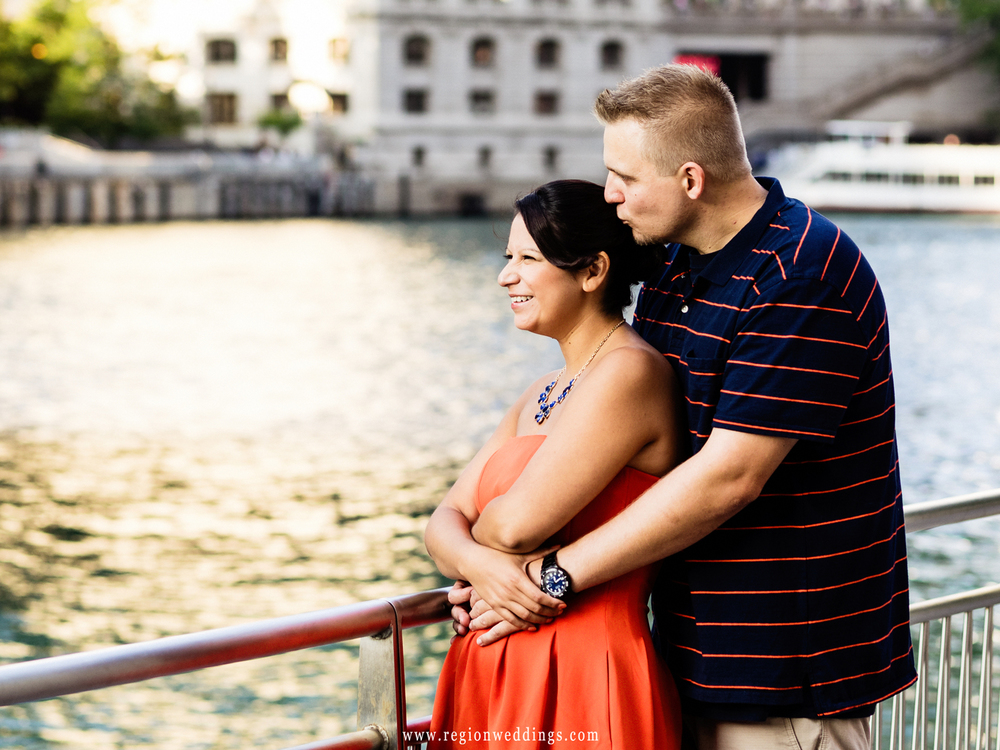 chicago-river-engagement-photo.jpg