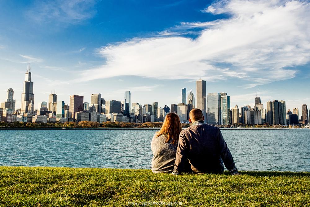 chicago-daytime-cityscape-engagement-photo.jpg