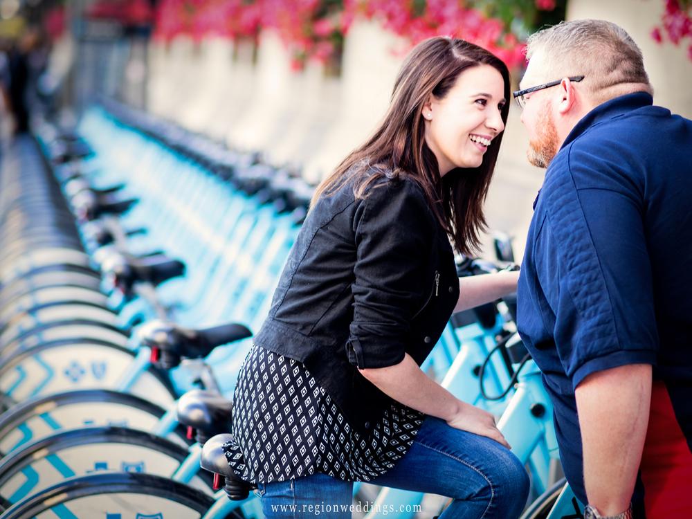 blue-bike-chicago-engagement-photo.jpg