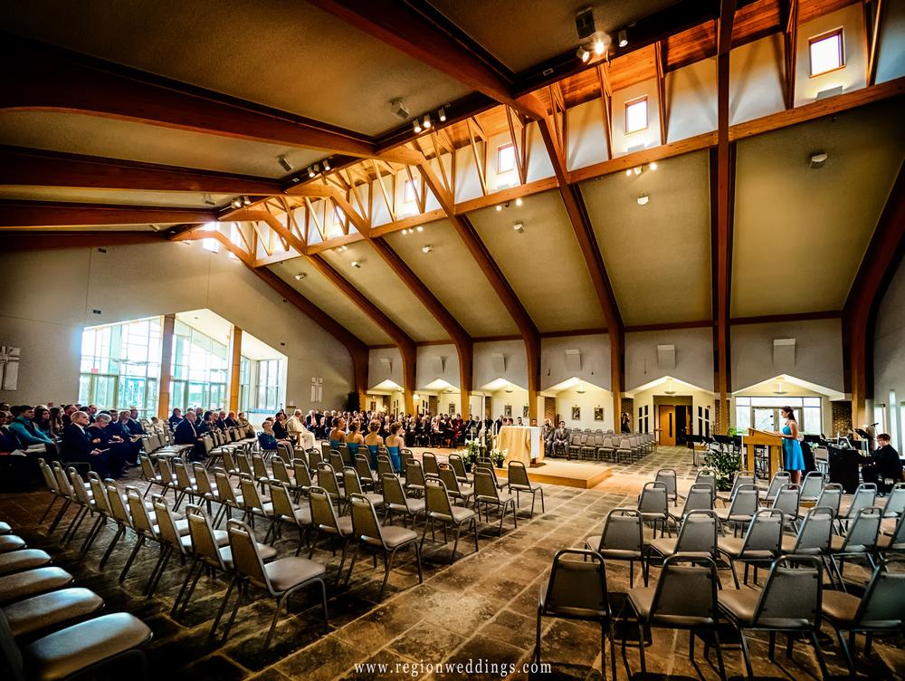 wedding at holy spirit catholic church in crown point