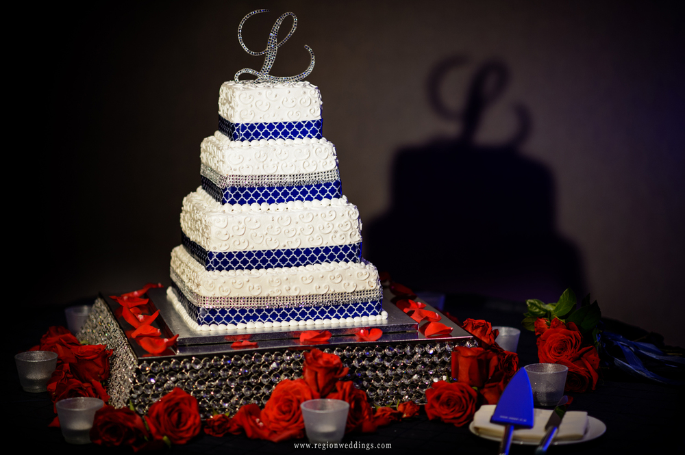 Red, white and blue wedding cake.