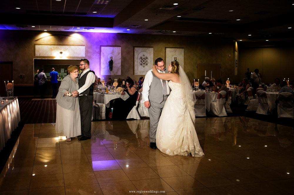 Parent dances at Villa Cesare during a wedding reception.