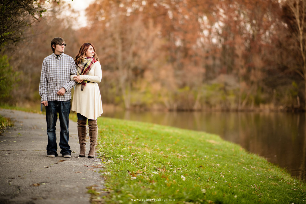 wooded-path-engagement-photo.jpg