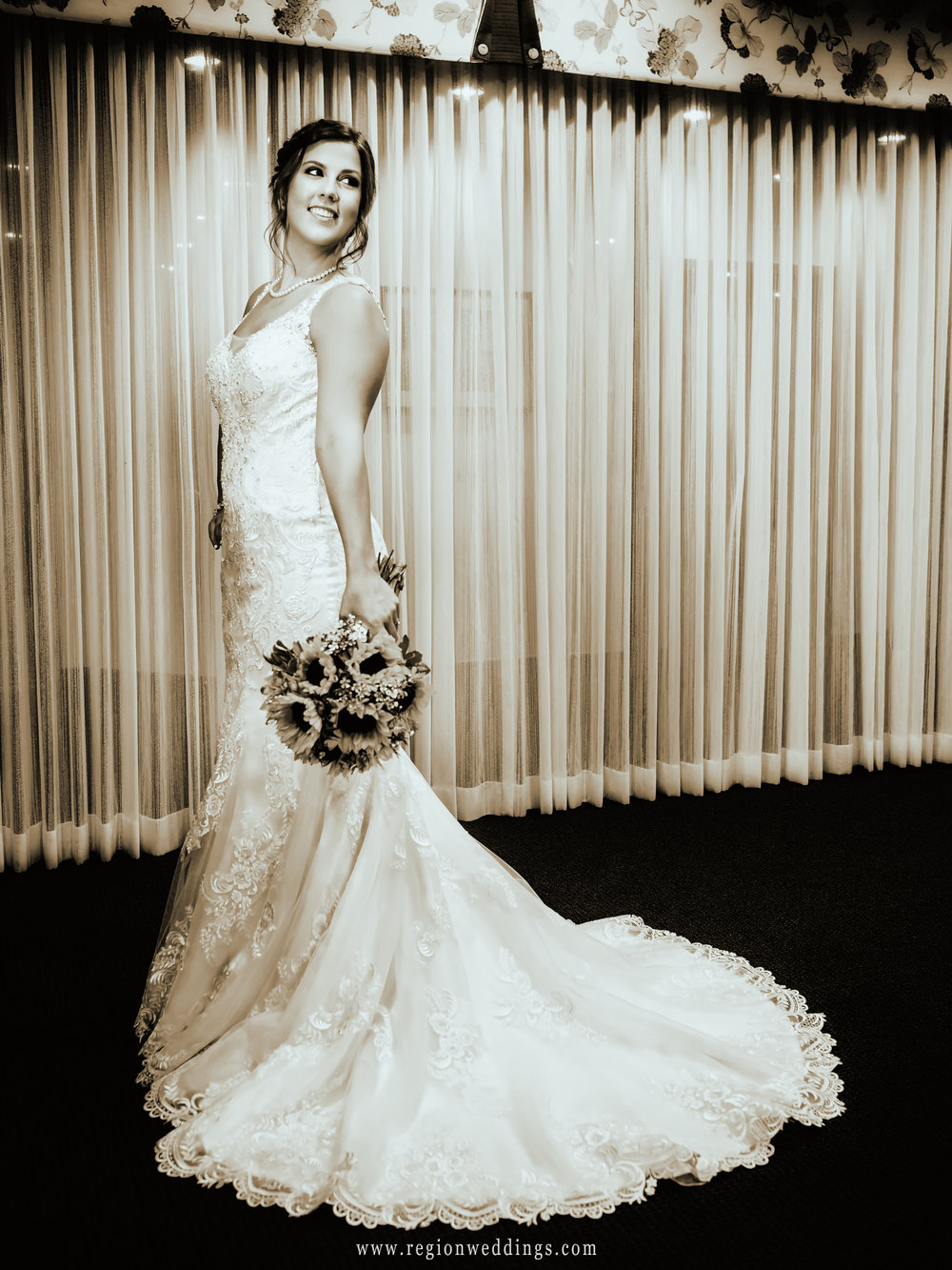 A vintage look for the bride inside the suite at Briar Ridge Country Club.