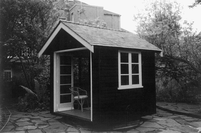 """Revolving summer house (1925) in Edinburgh. From """"What Tuberculosis did for Modernism"""" by Margaret Campbell (Medical History, 2005)."""