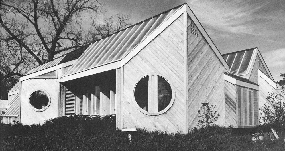 A Note On The Solar Architecture Of The 1970s Solar