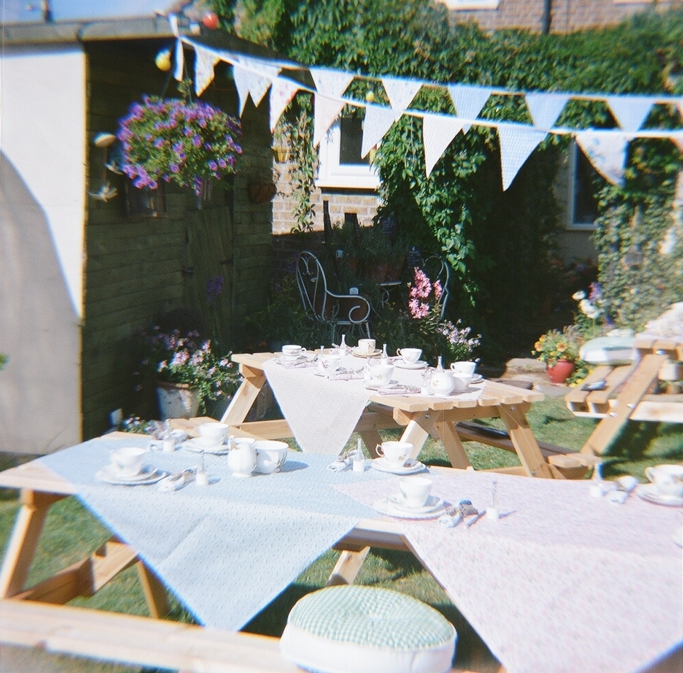 DIY wedding in the garden