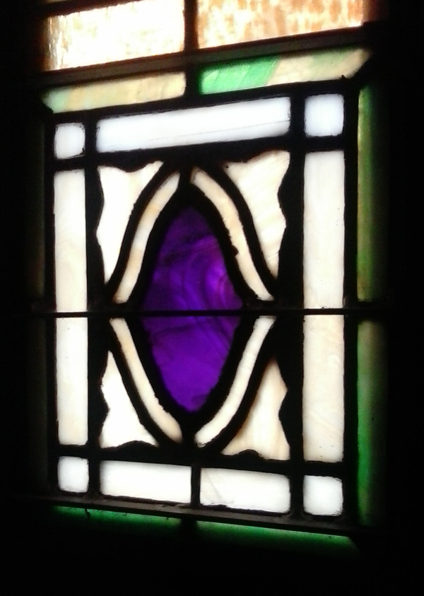 cas08-stain glass purple near oval-600.jpg